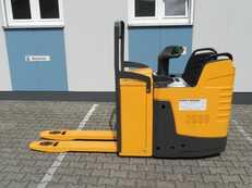 Jungheinrich ERE 225 - feste Plattform - Gabelbreite 510 mm