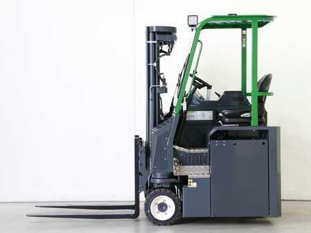 Čtyřcestný vysokozdvižný vozík Combilift CBE2500