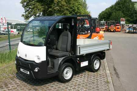 Elektro Plattformwagen Iseki Mega E-Worker