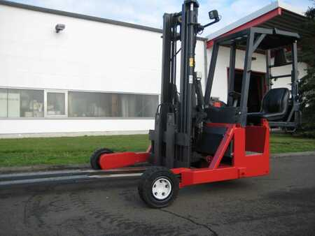 Truck Mounted Forklifts Moffett-Kooi M4 25.3
