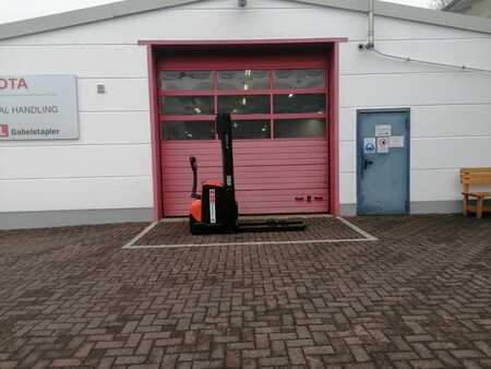 Pallet Stackers Toyota SWE140L