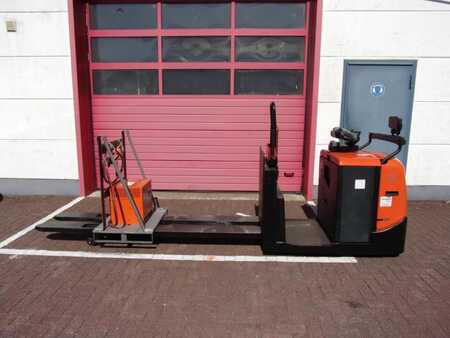Electric Pallet Trucks Toyota OSE250 P