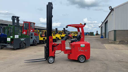 Articulated Trucks / VNA Flexi AC VNA 1100
