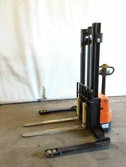 Horizontal order picker MicroLift ES15M-S