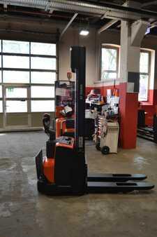 Hochhubwagen BT SWE 120 // 1.383 Std. / HH 3.700 mm / FH 1.900 mm / Duplex