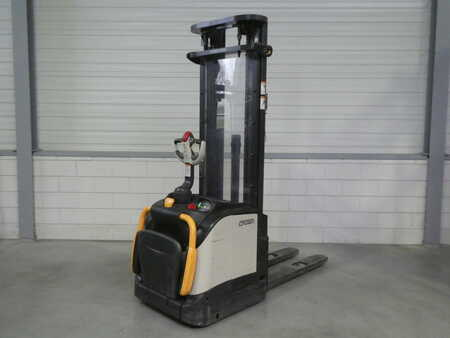 Pallet Stackers Crown ET4000 * 1.6 - 3F5400