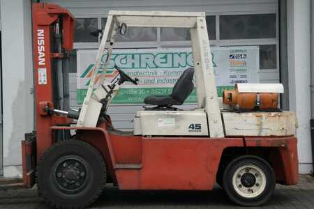 Treibgasstapler Nissan BGF 03 A 40 U