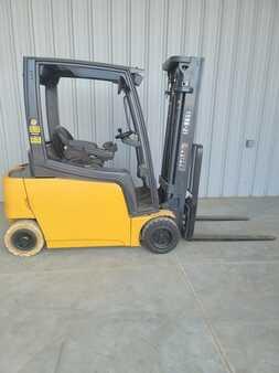 4 Wheels CAT Lift Trucks EP3500