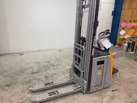 Wózki z platformą operatora Still EXV-SF14
