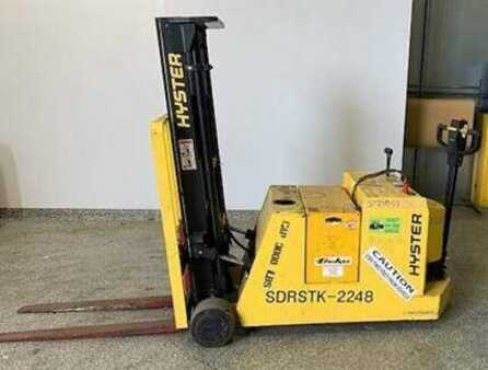 Stackers stand-on Hyster Hyster W30XTC