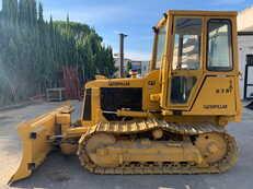 Pásové buldozery Caterpillar D3B