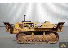 Putkiasennustraktorit Caterpillar D8K Pipe carrier