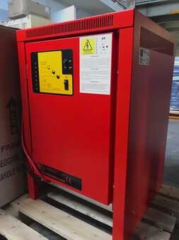Three-phase Powergen COMPACT 48v.-100A (trifase)