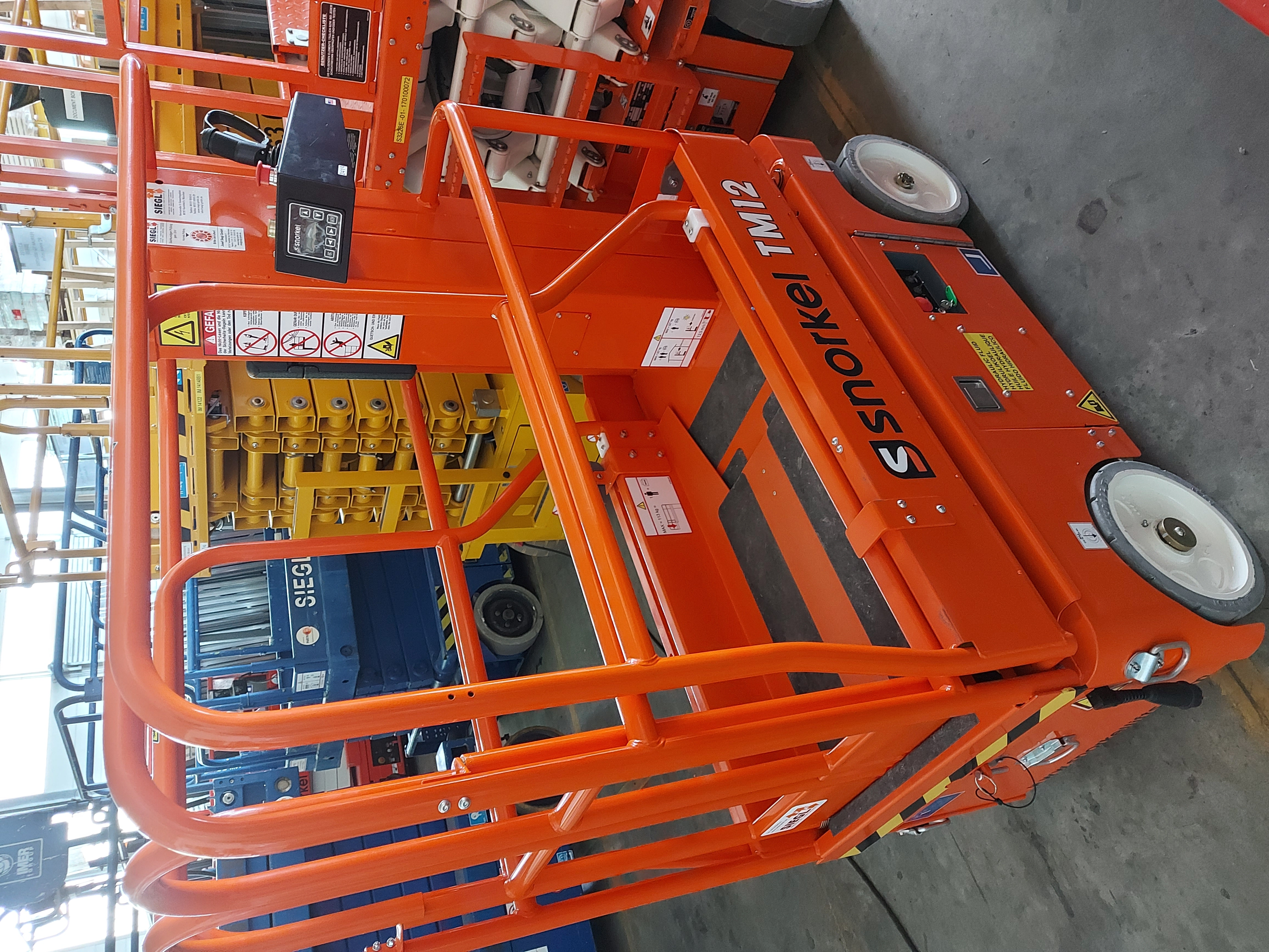 Snorkel TM 12 (Roll-Out-Deck)